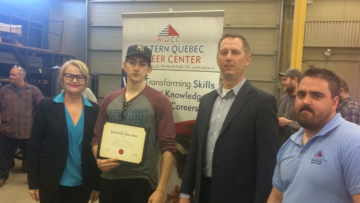 CWB WeldingFoundation presents awards to Western Quebec Career Centre students