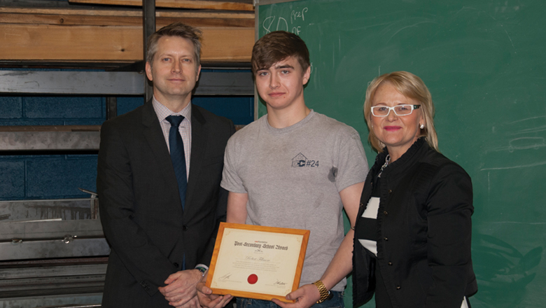 CWB WeldingFoundation presents Western Quebec Career Centre Welding Students with Awards